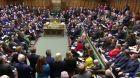 Británie bez záruk k brexitu + rozhovor s I. Kytkou